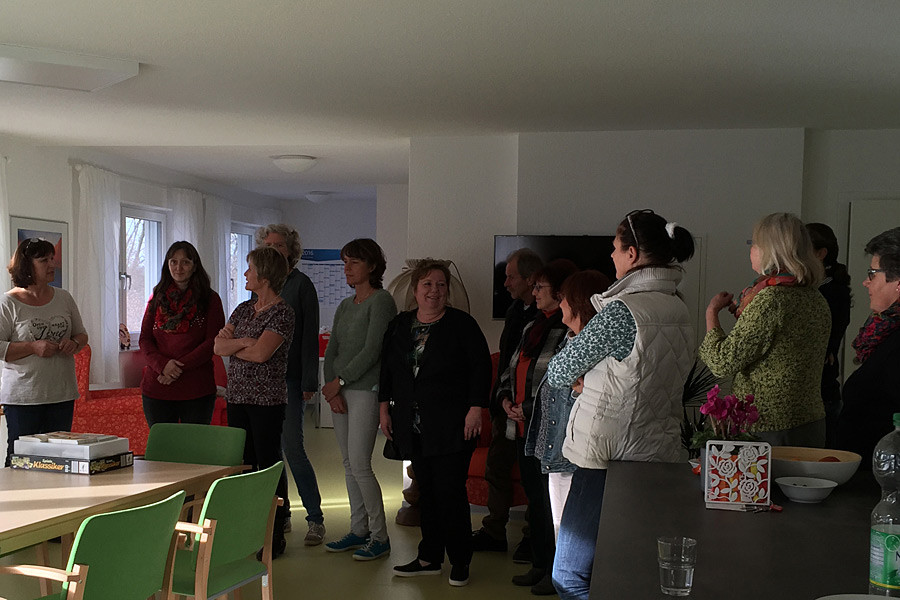 Alltagsbegleiterinnen besuchen Pflegewohngruppe