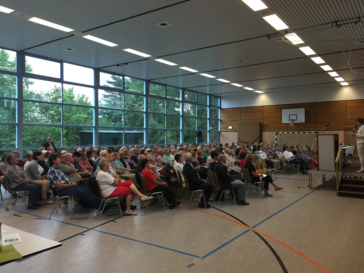 Über 200 interessierte Bürgerinnen und Bürger kamen zur Bürgerversammlung zur Weiterführung des Leader-Projekts